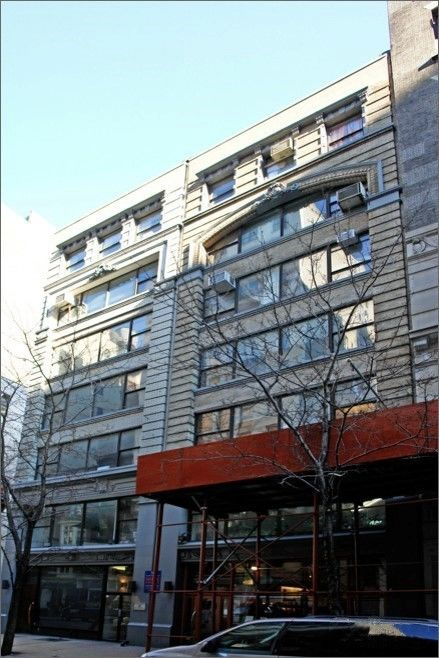 building at 37-39 West 17th Street