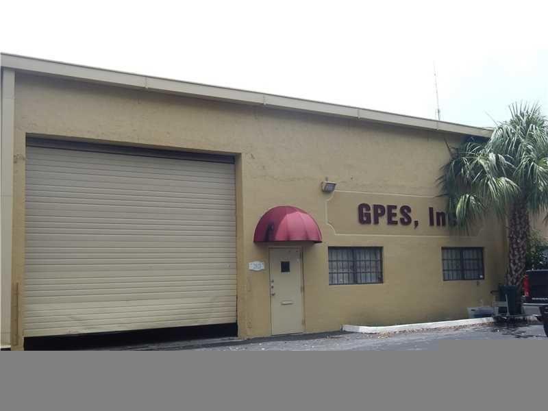 building at 2513 Northwest 74th Avenue