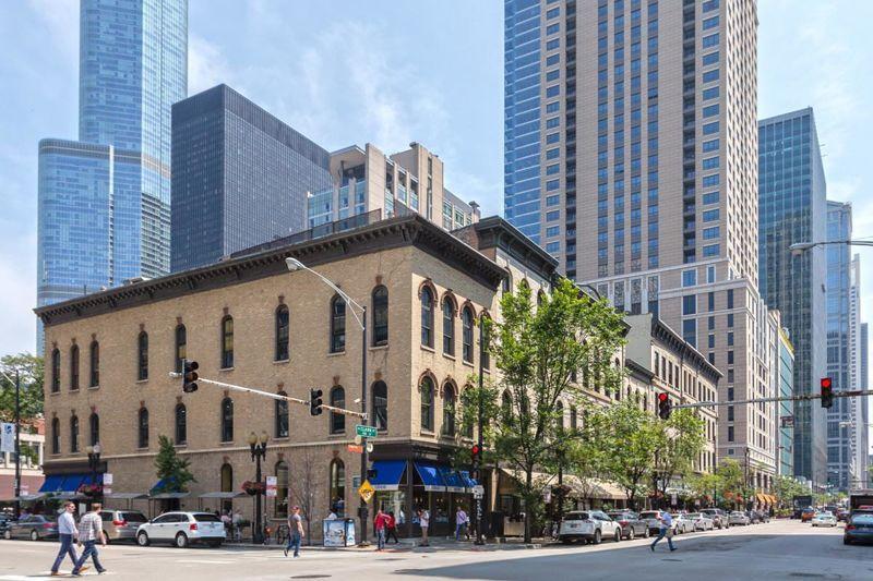 building at 441 North Clark Street