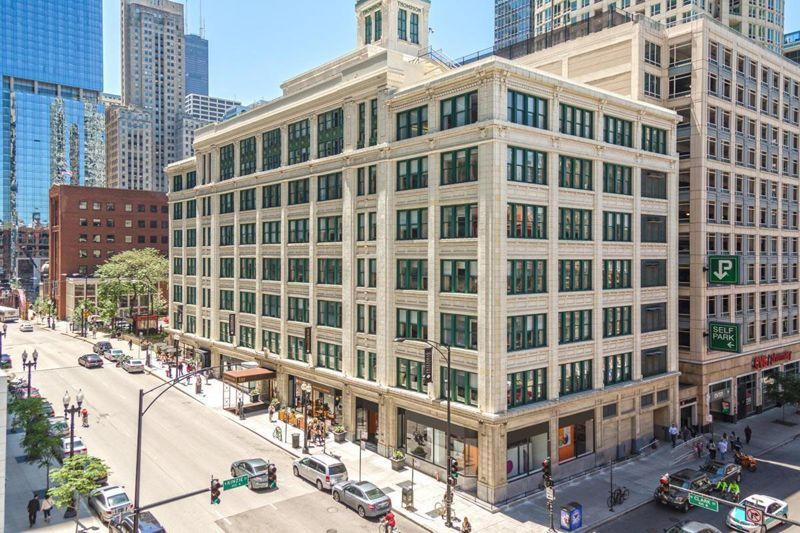 building at 350 North Clark Street