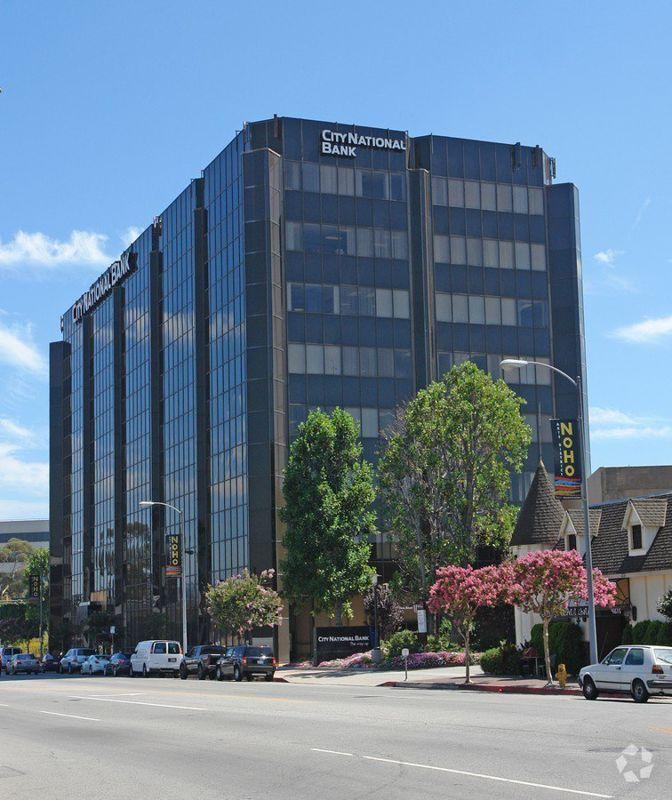 building at 4605 Lankershim Boulevard