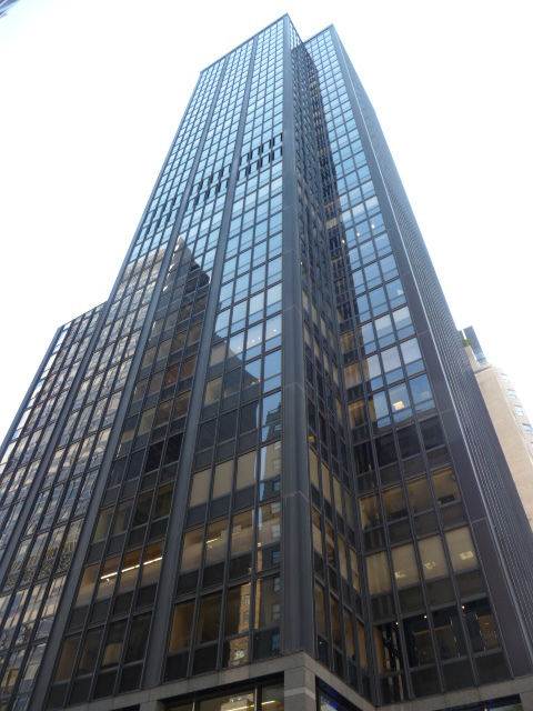 building at 1368 Avenue of the Americas