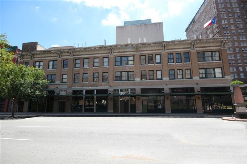 building at 1004 Prairie