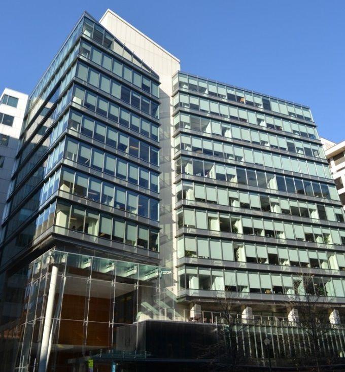 building at 1152 15th Street Northwest