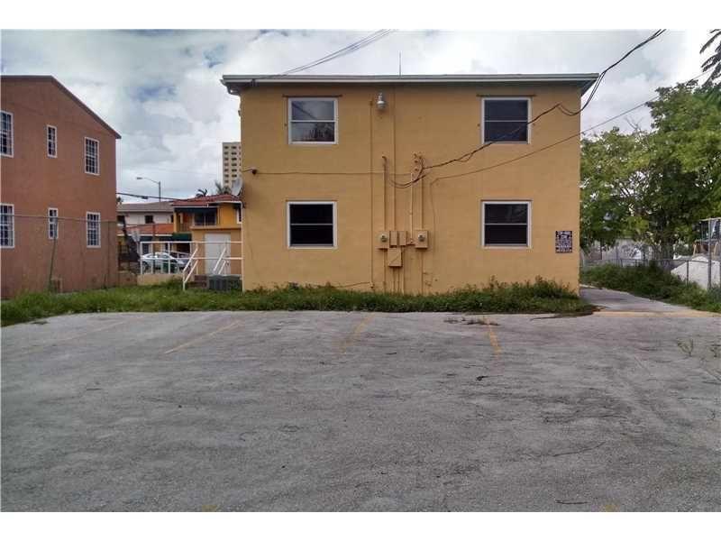 building at 1370 Northwest 16th Street