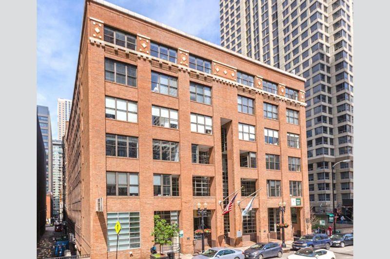 building at 420 North Wabash Avenue