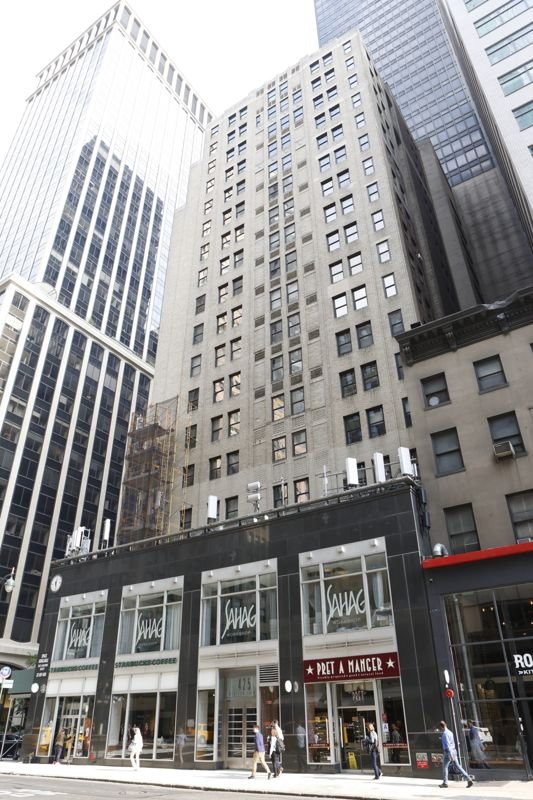 building at 425 Madison Avenue