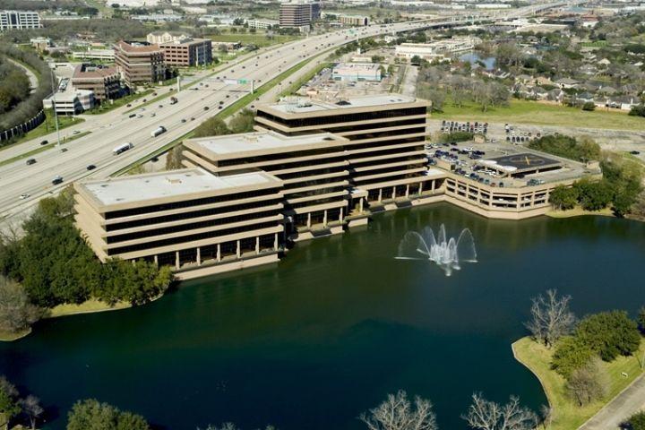 building at 14141 Southwest Freeway