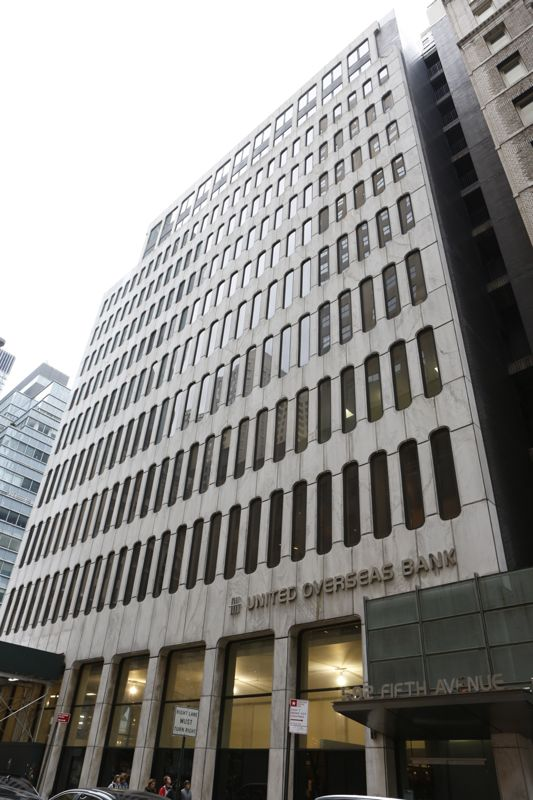 building at 592 5th Avenue
