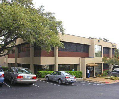 building at 5926 Balcones Drive