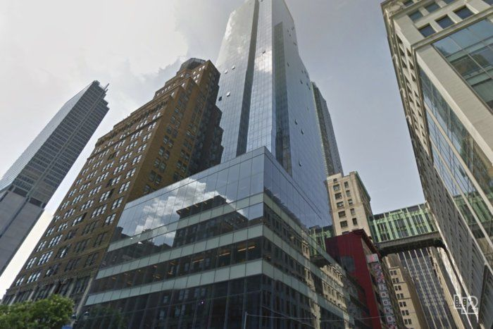 building at 883 Avenue of the Americas
