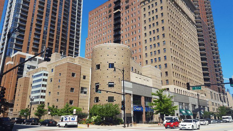 building at 850 South Wabash Avenue