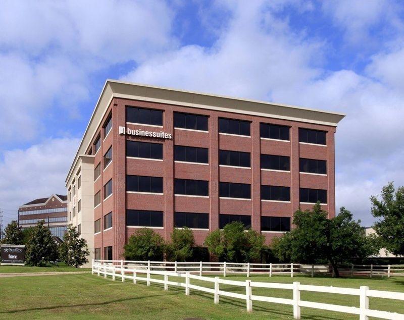 building at 14090 Southwest Freeway