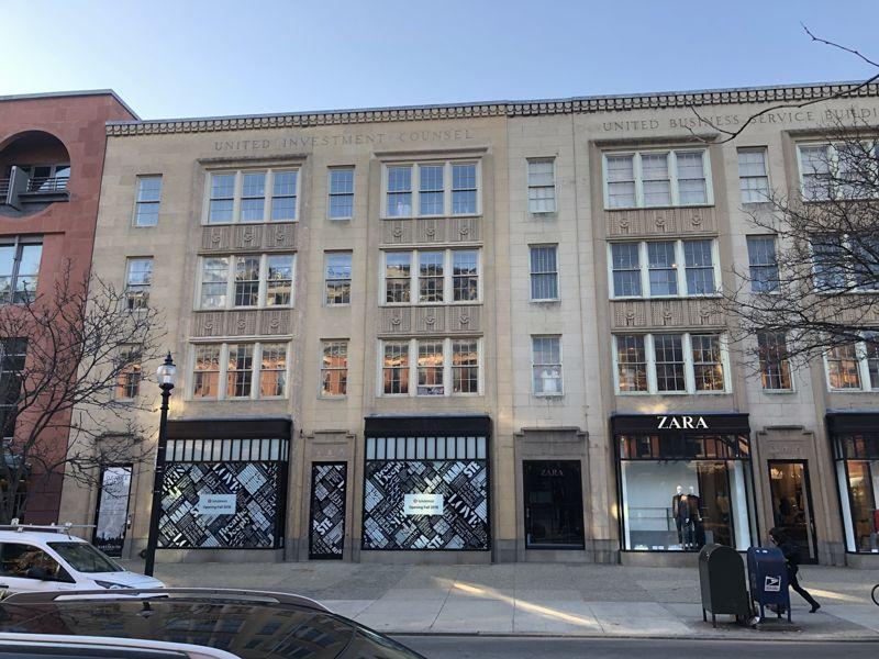 building at 206-208 Newbury Street