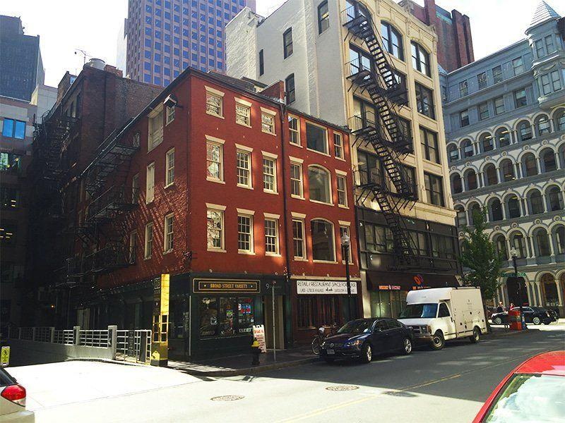 building at 9 Broad Street