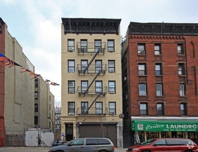 building at 175 East 105th Street