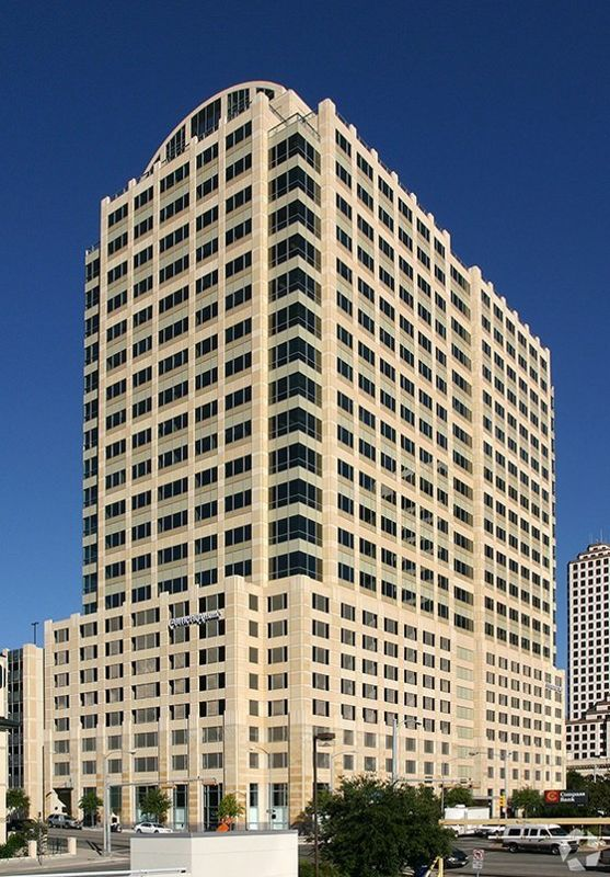 building at 300 West 6th Street