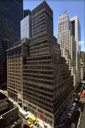 building at 600 Madison Avenue