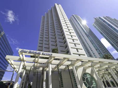 building at 801 Brickell Avenue