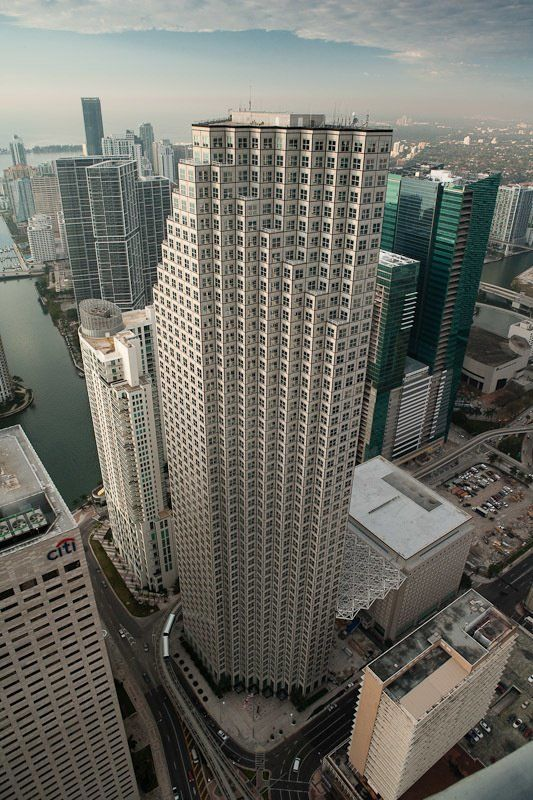 building at 200 South Biscayne Boulevard
