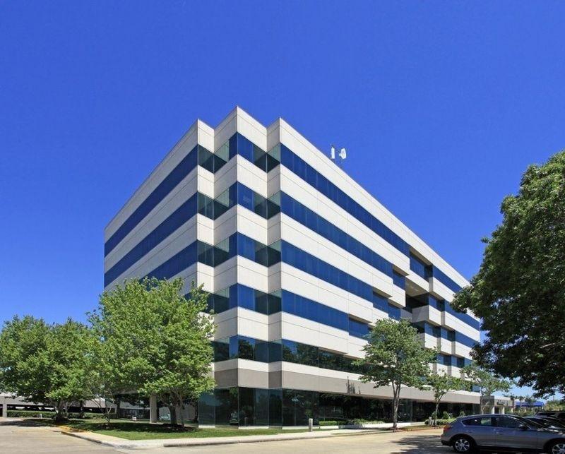building at 2525 Bay Area Boulevard