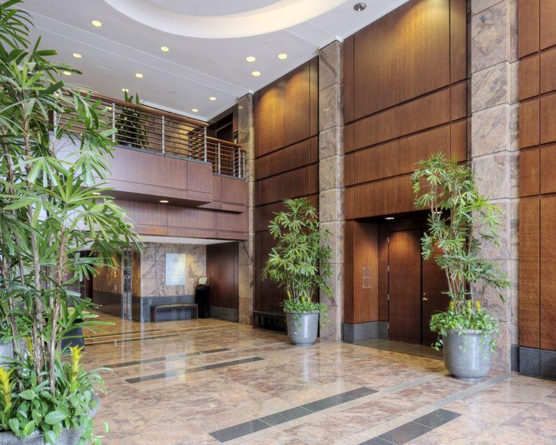 building at 2810 Coliseum Centre Drive