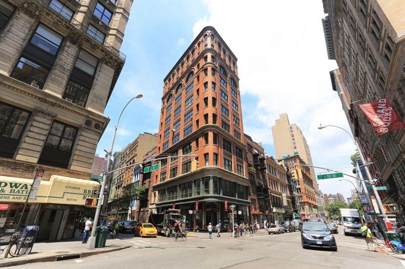 building at 821 Broadway