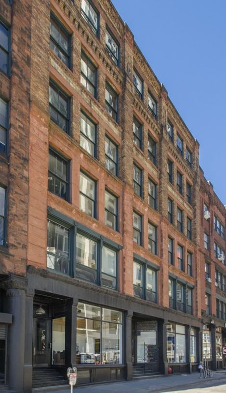 building at 109-129 Kingston Street