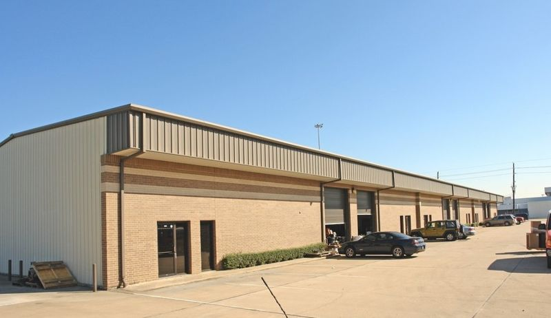 building at 6125 West Sam Houston Parkway North