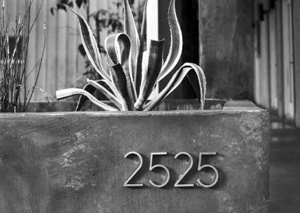building at 2525 Robinhood Street