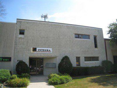 building at 6565 North Avondale Avenue