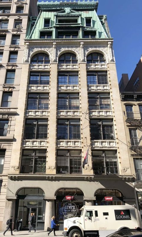 building at 495 Broadway