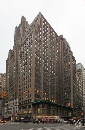 building at 555 8th Avenue